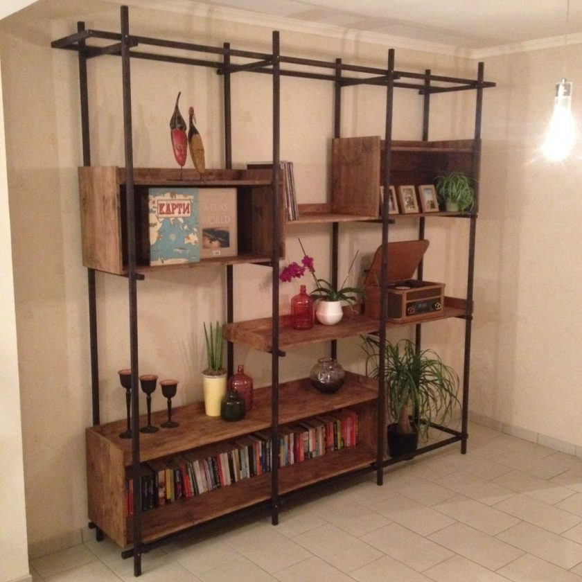 Lotte's Bookshelf