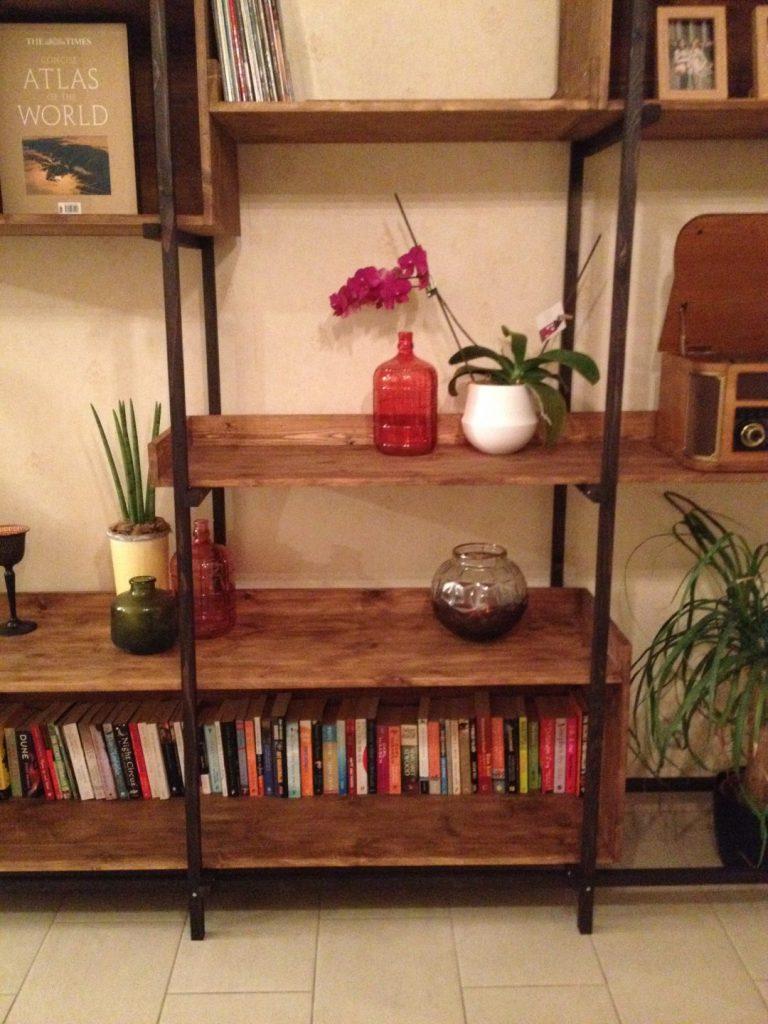 Lotte's Bookshelf (16)