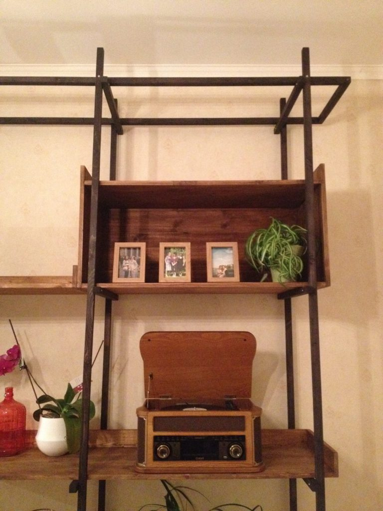 Lotte's Bookshelf (18)