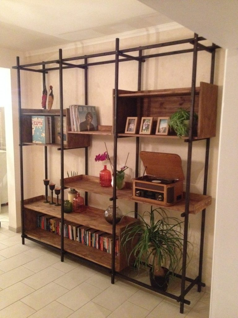 Lotte's Bookshelf (19)